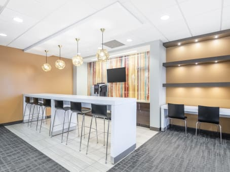 Regus Business Centre in Tuscany Plaza