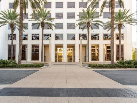 Building at 300 Spectrum Center Drive, Suite 400 in Irvine 1