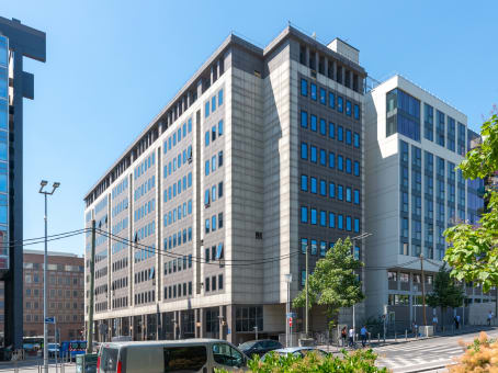 Regus Business Centre, Nanterre, Esplanade