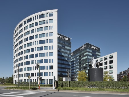 Building at Avenue Charles-Quint / Keizer Karellaan 584, Bridge Building, 6° floor in Berchem-Sainte-Agathe-Berchem 1