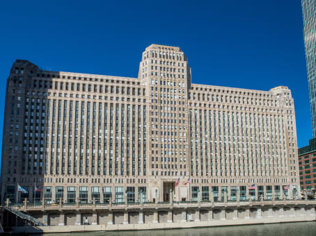 Building at 222 Merchandise Mart Plaza, 12th Floor in Chicago 1