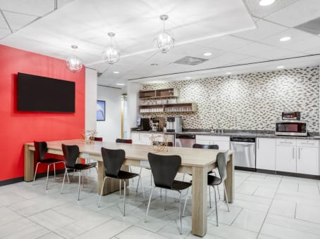 Regus Business Lounge in Columbia Center