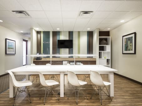 Regus Business Lounge in Millenia Lakes