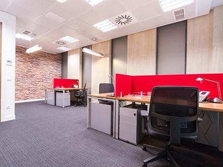 Alquiler de oficinas en madrid diego de leon regus espa a for Oficina 42 madrid