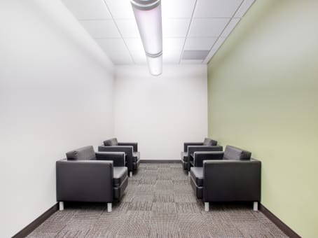 Regus Meeting Room in Esquire Plaza - view 5