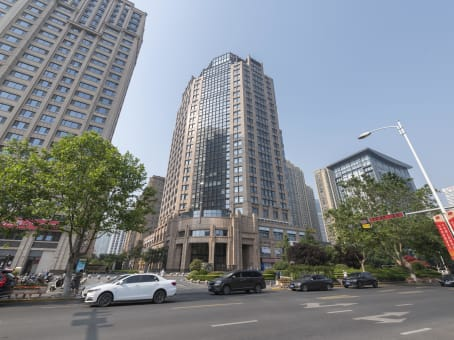 Building at 7/F, China Overseas Building, 76 Yanji Road, Unit 03-04, Shibei District, Shandong Province in Qingdao 1