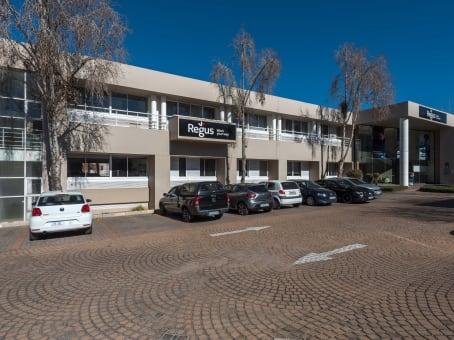 Building at Country Club Estate, Building 2, Woodlands Drive, Woodmead in Johannesburg 1