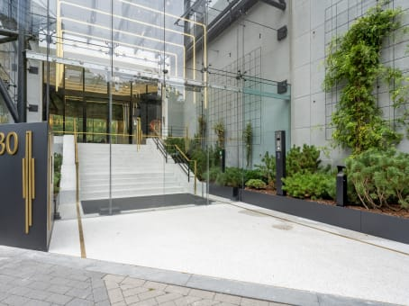 Building at Avenue Louise / Louizalaan 480, IT Tower, 18° floor in Brussels 1