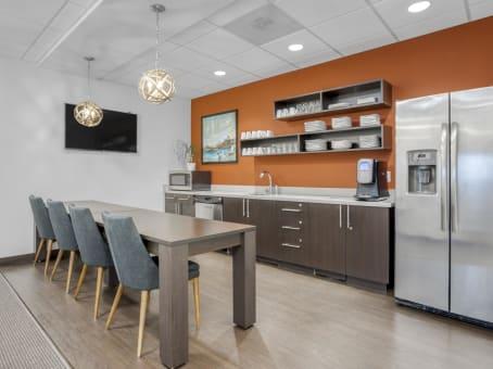 Alquiler de oficinas por horas o d as en 1220 main place for Alquiler de oficinas por horas