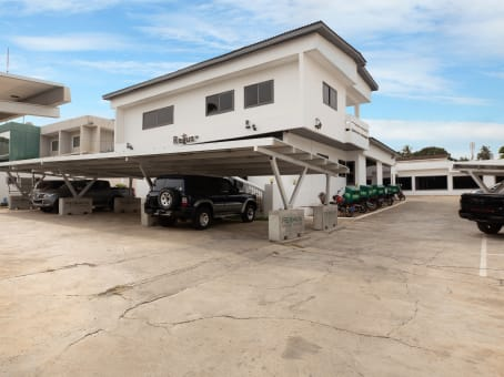 Building at 19 Kofi Annan street, Airport residential in Accra 1