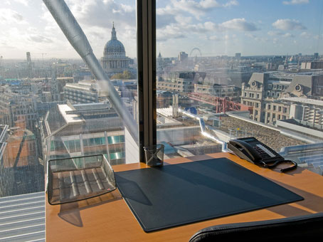Rent an office for a day in london barbican regus uk - Small office space london property ...
