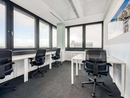 business center in hamburg mundsburg tower regus. Black Bedroom Furniture Sets. Home Design Ideas