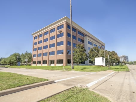 Building at 14090 Southwest Freeway, Suite 300 in Sugar Land 1
