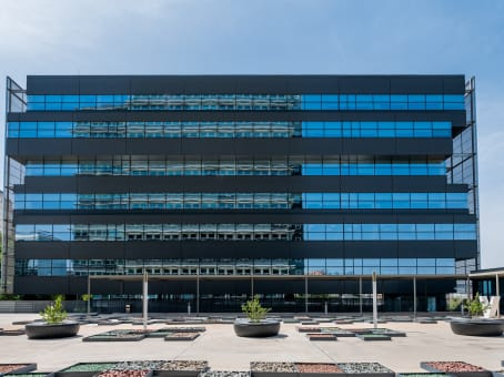 Building at Martinez Villergas Business Park, Block V - 1st Floor, c/ Martinez Villergas 49 in Madrid 1