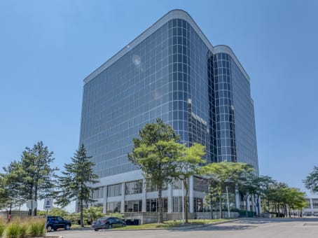 Building at 5925 Airport Road, Suite 200 in Mississauga 1