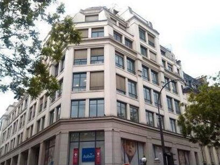 Building at 17-21 rue Saint Fiacre in Paris 1