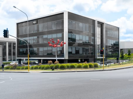 Building at Level 3, Candida Building 4, 61 Constellation Drive, Mairangi Bay in Auckland 1