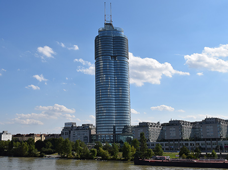 Building at 26th floor, Millennium Tower, Handelskai 94 – 96 in Vienna 1