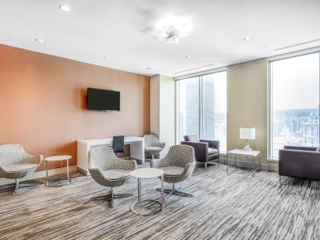 Location de bureaux le 1000 regus france for Shared office space montreal