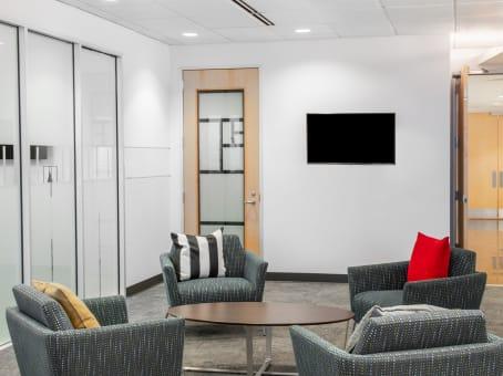 Alquiler de oficinas por horas o d as en easton regus espa a for Alquiler de oficinas por horas