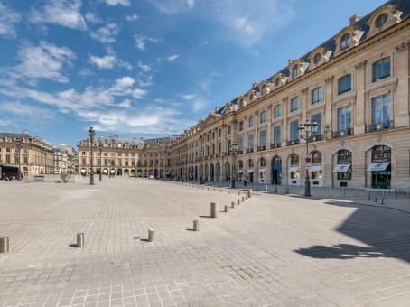 Building at 10 Place Vendôme in Paris 1