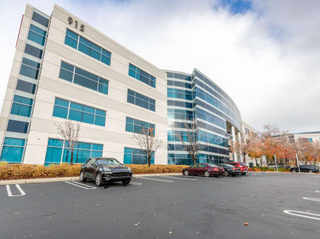 Building at 915 Highland Pointe Drive, Suite 250 in Roseville 1