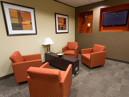Regus Business Lounge in Dominion Plaza