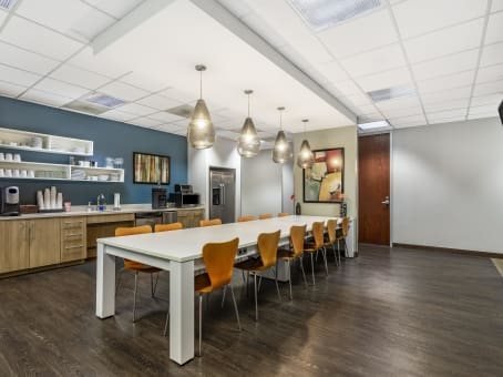 Regus Business Lounge in Highland Park Place