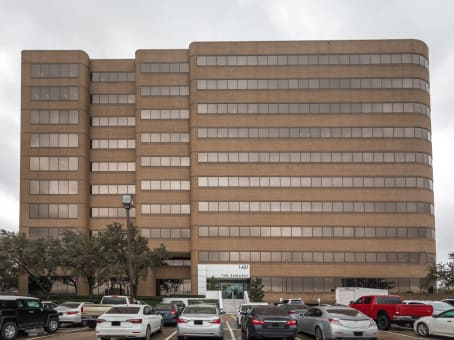Texas, Irving - Las Colinas Embassy Building
