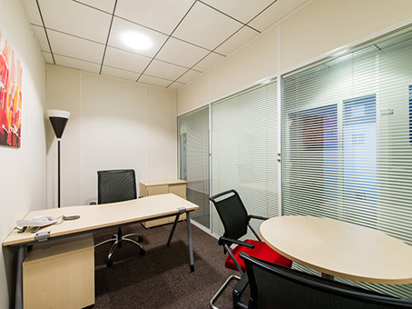 Regus Business Lounge in Toulouse Blagnac Airport