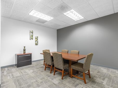Regus Day Office in Galleria 400